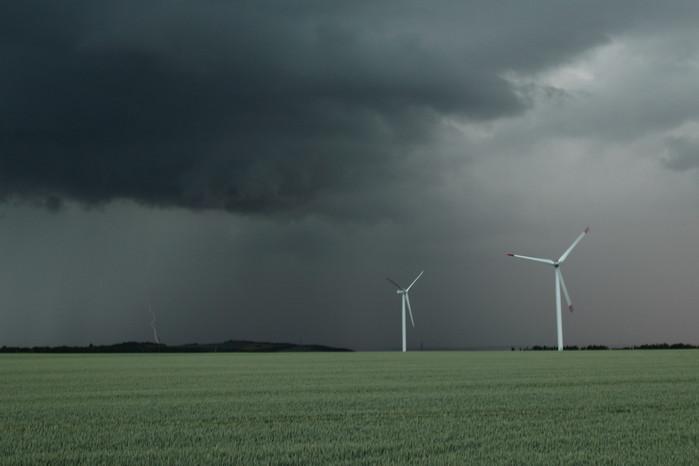 Blesk zachycený lightning triggerem - autor:
