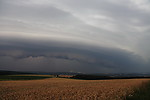 Mohutný shelf cloud se blíží - autor: Jan Drahokoupil