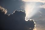 Budoucí cumulonimbus na západě se stínem a Tyndallovým jevem - autor: Jan Drahokoupil