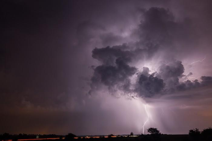 CG blesk na zadní části bouřky - autor: Jan Drahokoupil