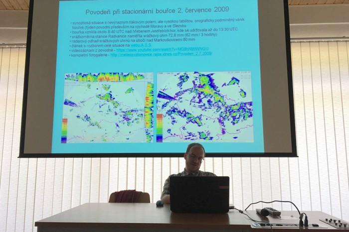Tomáš Prouza a jeho prezentace - autor: Jan Drahokoupil