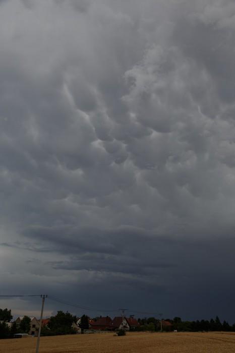 Oblaky mamma na zadní straně bouřky - autor: Jan Drahokoupil
