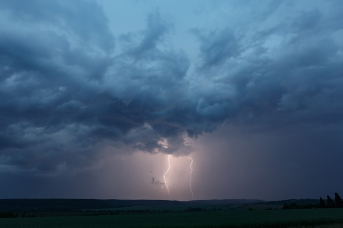 CG blesky na přicházející bouři III - autor: Jan Drahokoupil