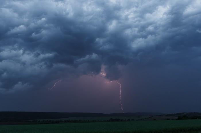 CG blesk na přicházející bouři II - autor: Jan Drahokoupil