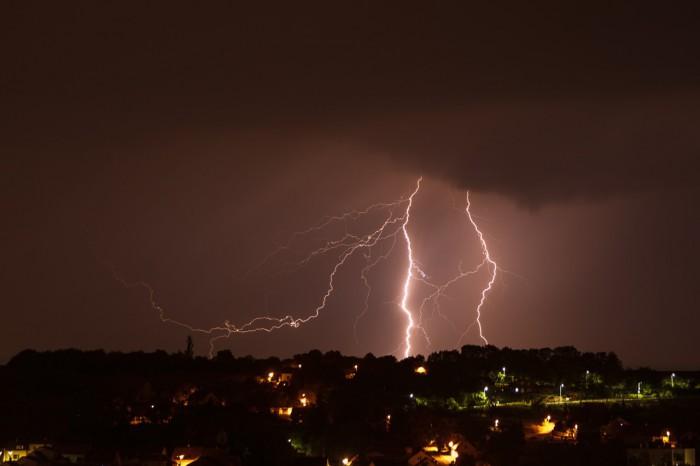 Noční blesky za Brandýskem IV - autor: Jan Drahokoupil