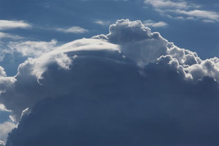 Pileus na konvektivní věži - autor: Jan Drahokoupil