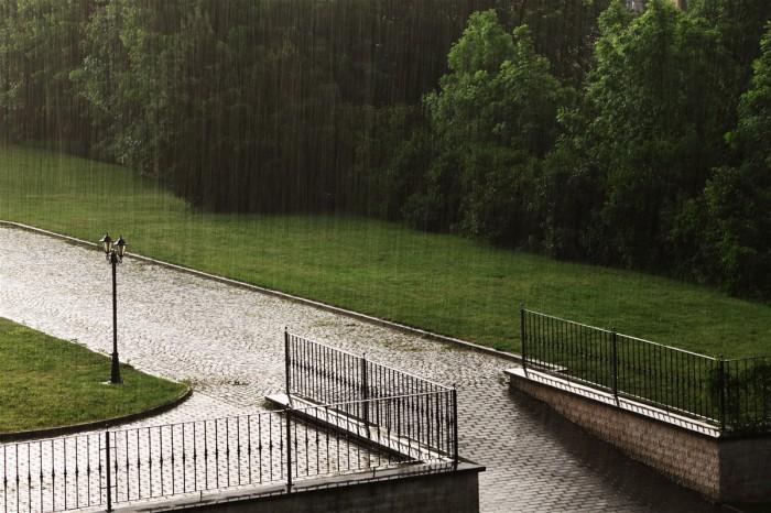 Intenzivní déšť vprotisvětle - autor: Jan Drahokoupil
