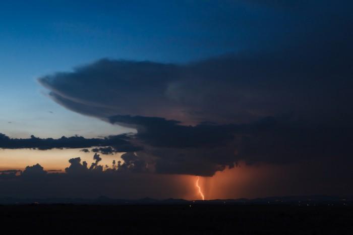 Bouřka nad Středohořím I- autor: Jan Drahokoupil
