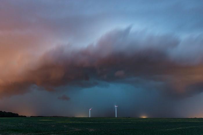 Dramaticky vyhlížející čelo bouře - autor: Jan Drahokoupil
