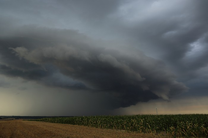 Nečekaný shelf cloud nad Slaným III - autor: Jan Drahokoupil