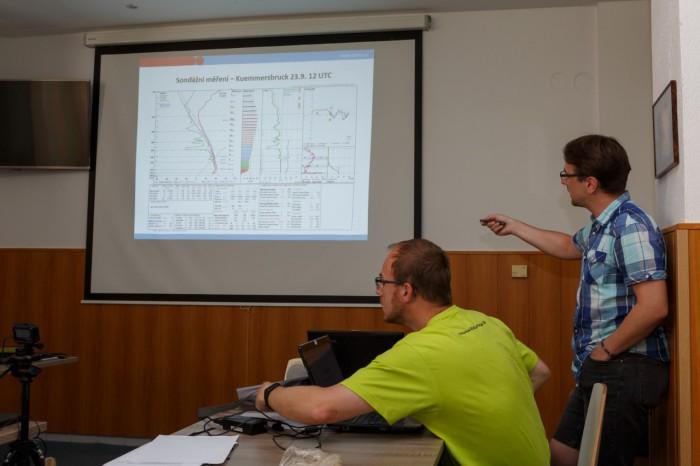 David popisuje nové sondáže II - autor: Jan Drahokoupil