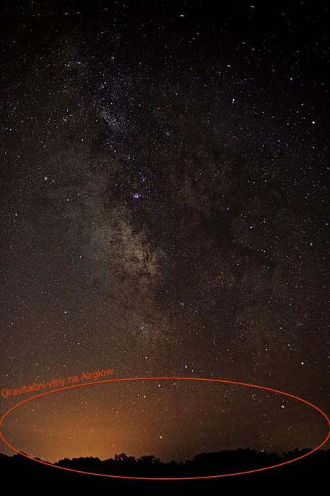 Pravděpodobné gravitační vlny na airglow - autor: Jan Drahokoupil