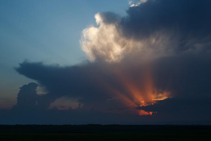 Poslední paprsky skrz mraky - autor: Jan Drahokoupil