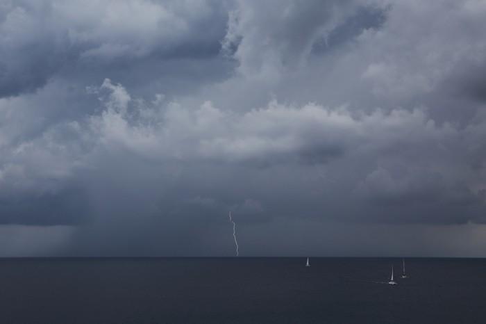 CG blesk nad mořem 1 - autor: Jan Drahokoupil