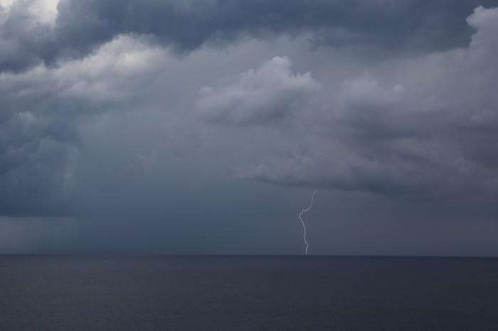 CG blesk nad mořem 2 - autor: Jan Drahokoupil