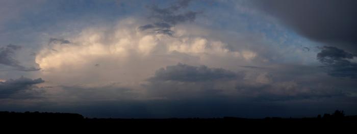 Panorama zadní strany odcházejícího Cb - autor: