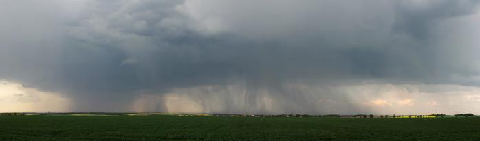 Panorama bouřky se dvěma srážkovými jádry - autor: Jan Drahokoupil