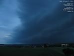 Pohled na shelf cloud přes webovou kameru ČHMÚ vPřibyslavi - autor: Lukáš Ronge