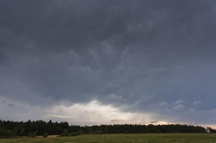 Oblaky mammatus na kovadlině supercely - autor: Lukáš Ronge