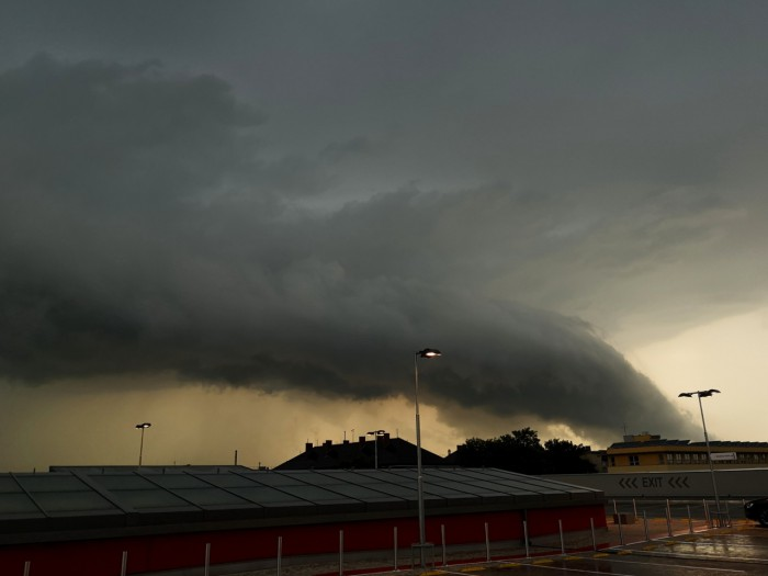 Shelf (wall?) cloud - autor: Michal Geryk