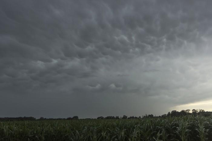 Mammata na zadní straně bouřky - autor: Zbyněk Černoch