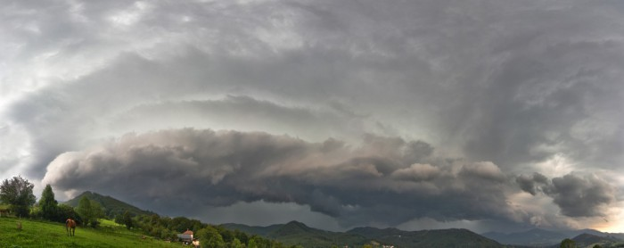 Několikavrstvý Shelf clouds - autor: Martin Popek