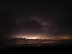 Shelf-cloud cumulonimbu sAc castellanus osvícený bleskem - autor: Michal Janoušek