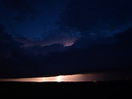Slabá pásová bouřka osvícená bleskem - autor: Michal Janoušek