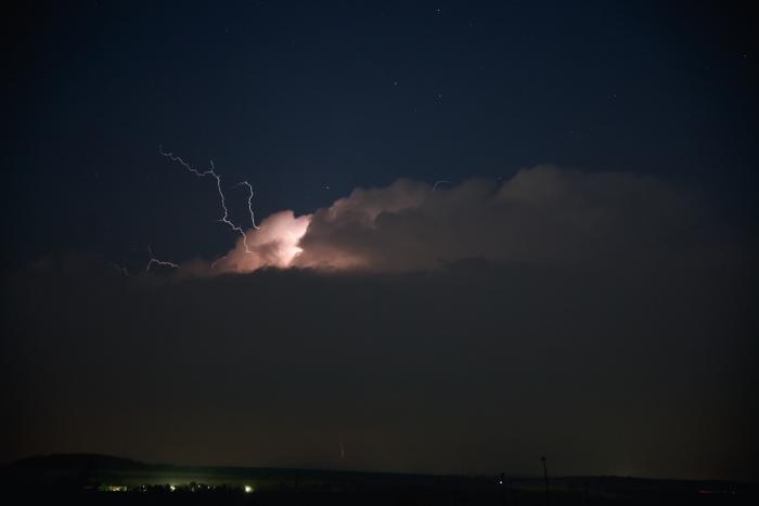 Kovadlina slabé bouřky světveným CC bleskem - autor: Michal Janoušek