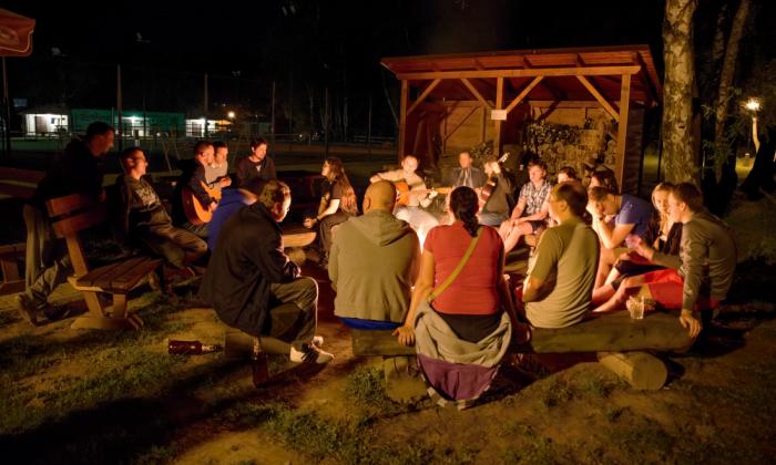 Drhleny - večer uohně - autor: Michal Janoušek