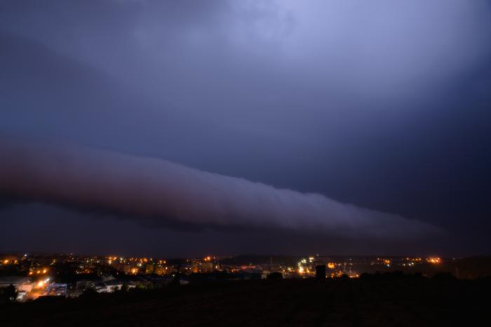 Roll-cloud na silné noční bouřce - autor: Michal Janoušek