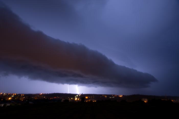 Noční bouřka přicházející do Slaného - autor: Michal Janoušek