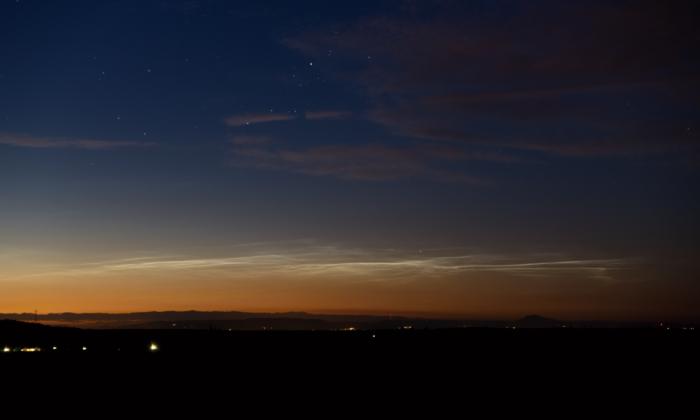Noční svítící oblaky - vzdálenější východní oblast - autor: Michal Janoušek