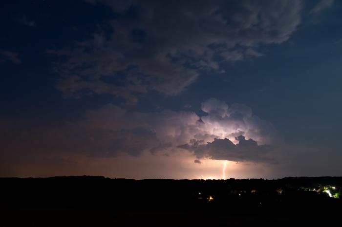 Odstupující noční bouřka sbleskem - autor: Michal Janoušek