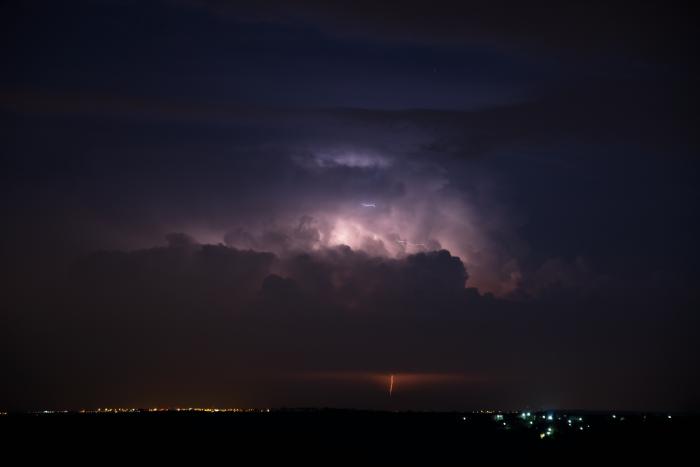 Vzdálený noční cumulonimbus - autor: Michal Janoušek
