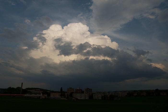 Blížící se cumulonimbus I- autor: Michal Janoušek