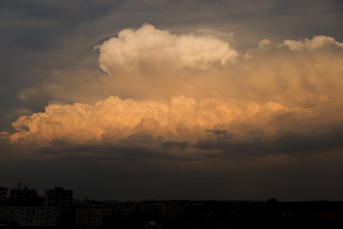 Severní část večerní bouřky - autor: Michal Janoušek