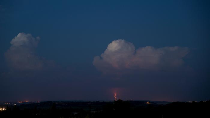 Vzdálené večerní bouřky - autor: Michal Janoušek