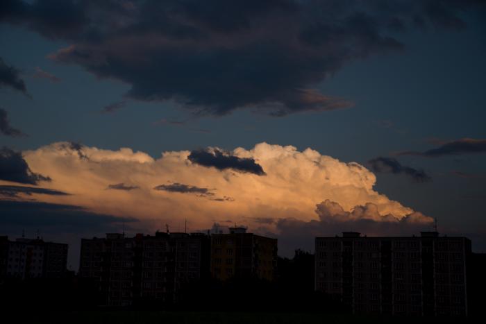 Odcházející večerní cébák - autor: Michal Janoušek