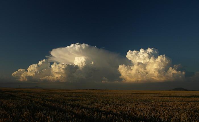 Dva krásné cumulonimby - autor: Michal Janoušek