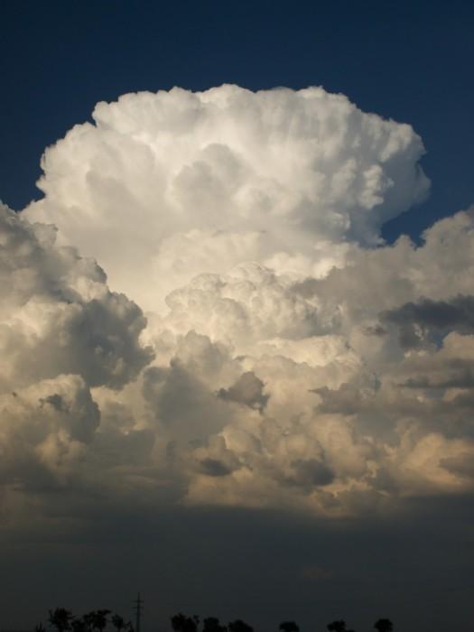 Čerstvá kovadlina cumulonimbu - autor: Michal Janoušek