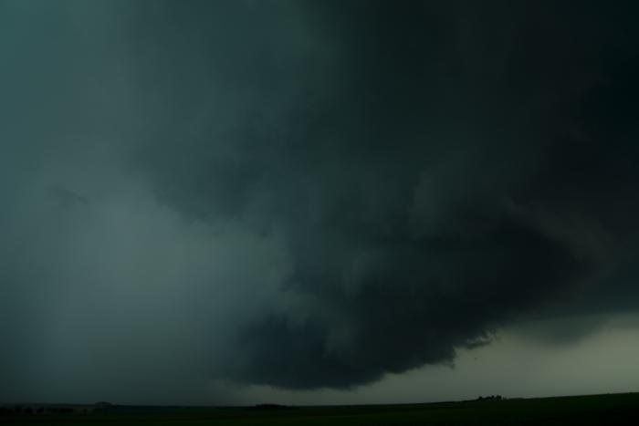 Hrozivá základna bouře skrupobitím - autor: Michal Janoušek