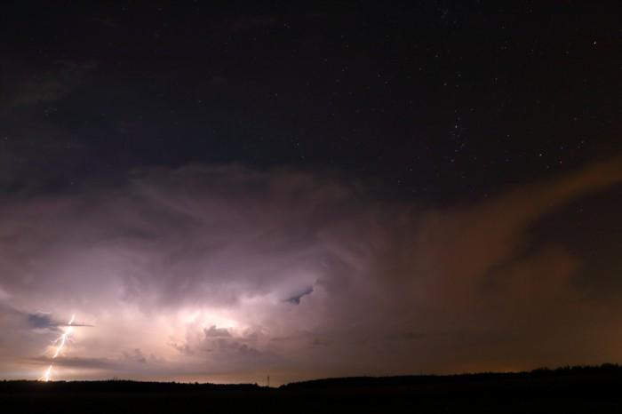 cumulonimbus osvětlený blesky - autor: Tomáš Novotný