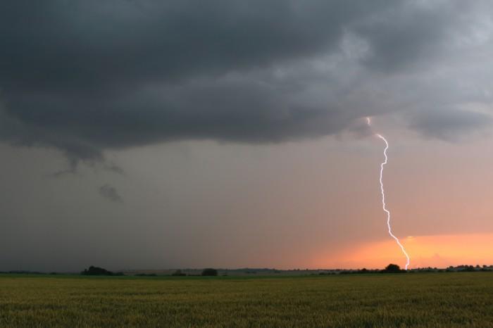 CG blesk při západu slunce - autor: Tomáš Novotný