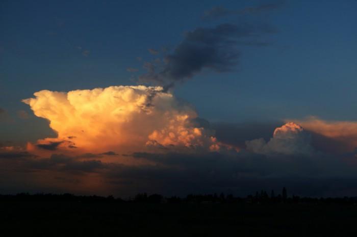 bouře při západu slunce - autor: Tomáš Novotný