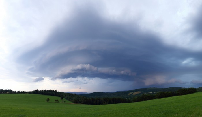 Panorama vyvíjející se bouře - autor: Tomáš Novotný