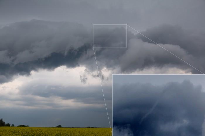 Tromba na shelf cloudu - autor: Tomáš Novotný