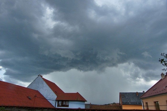 První bouřka - autor: Jiří Kaňovský
