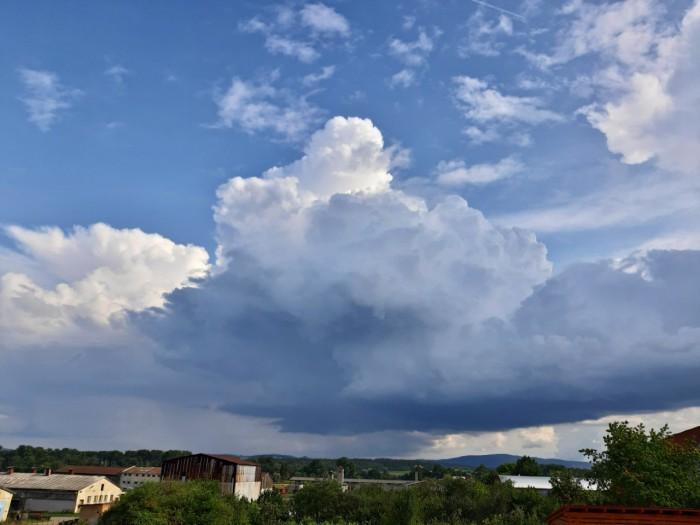 Počátek bouřky - autor: Jiří Kaňovský