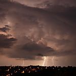 CG blesky osvětlující oblak - autor: